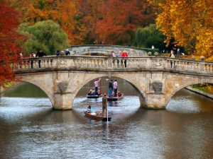 Autumnal Punting in Cambridge Source:tad2106