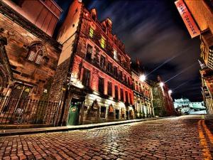 Edinburgh Royal Mile EdinburghGary Source:Flickr