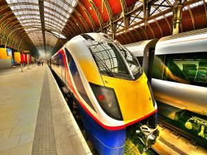 Inter-city train © Nick Garrod (Flickr)