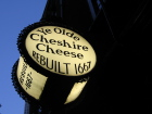 17th-century Olde Cheshire Cheese, London Source:erinsy